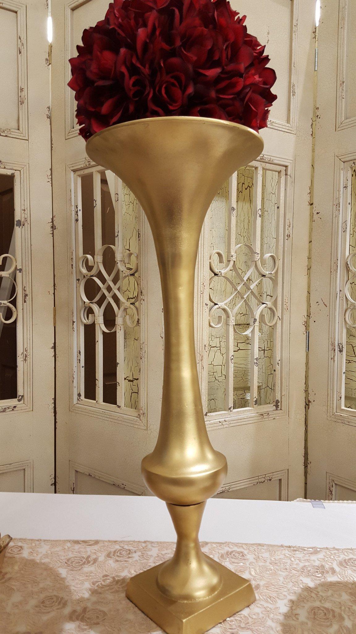 Large Gold Trumpet Vase Image