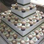 Wooden Cupcake Box Image