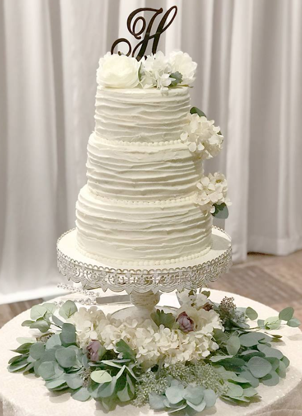 Vintage Ivory Lace Cake Stand Image