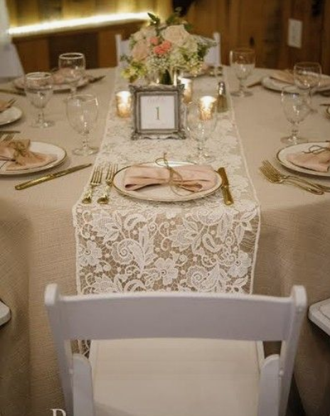 Lace & Burlap Table Runners Image