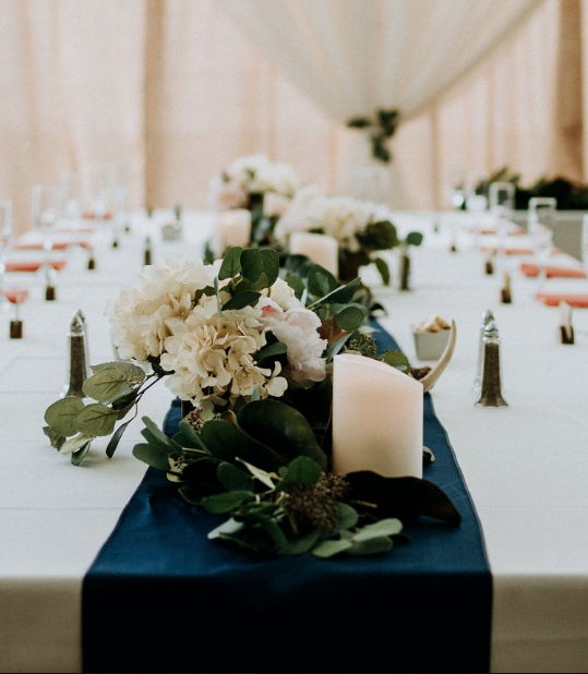 Satin Table Runners Image